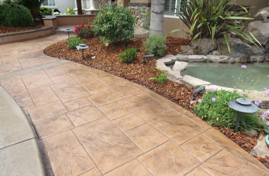 image of a stone paver walkway in rocklin, ca